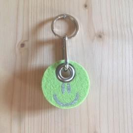Filz Schlüsselanhänger Smilie - grün/silber